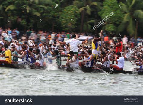 Kallada India Sept 26 Oarsmen Participating Stock Photo