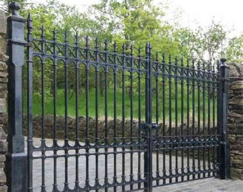 enhance your home design choosing the right fence
