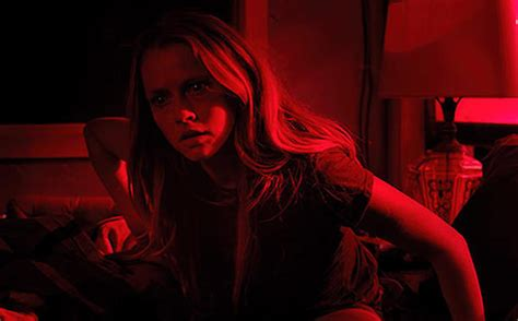 with the lights out review lights out 2016 dirtyhorror
