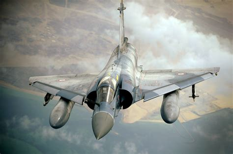 Filefrench Mirage 2000 Finishes Refueling From Kc10a