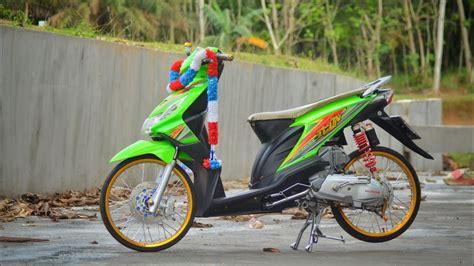 Vario Karbu Thailook by Modifikasi Honda Beat Karbu Thailook