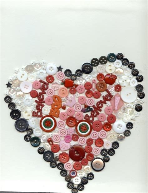 images  button hearts  pinterest brooches