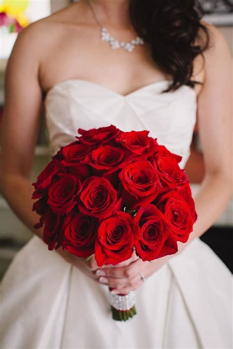 Luxurious Wedding Ideas With Glamour Red Rose Wedding