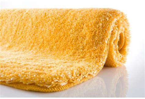 kleine wolke relax kleine wolke badteppich relax goldgelb badteppiche bei tepgo kaufen versandkostenfrei