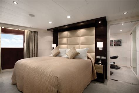 Contemporary Bedroom Design With Wall Mounted Tall