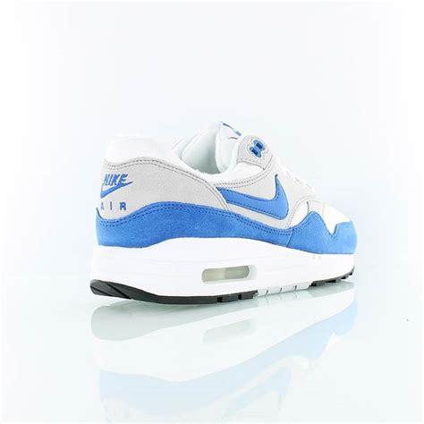 descuento nike air max 1 gs white royal tint white 1211311 tqboqcs nike air max 1 gs og quot white sport royal quot le site de la sneaker