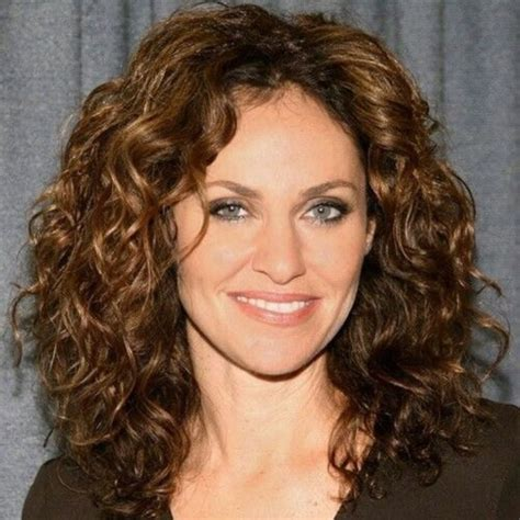 Curly Hairstyles For 40 by 40 Not A Problem With These Gorgeous 50 Hairstyles