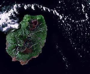(Image credit: NASA Landsat 7) | Hole in the Clouds