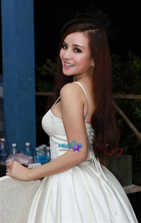 Vy oanh bắt đầu chính thức tham gia nghệ thuật từ năm 2007 đến nay. Vy Oanh xinh đẹp không kém Bảo Anh The Voice - Giáo dục Việt Nam