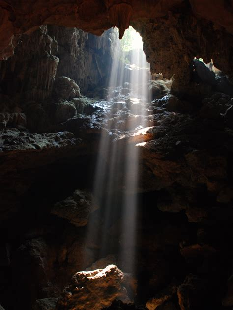 the cave and the light 02 light in the cave ha long bay vietnam top 10 vietnam