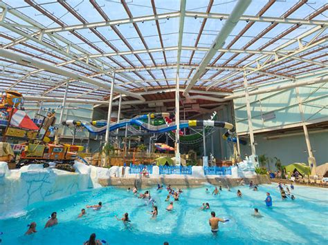 Stik Boats Manor Tx by Best Indoor Water Parks In America With Lazy Rivers And Slides