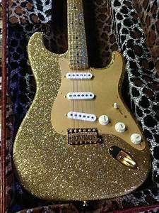 A Little Glitter From The Socal World Guitar Show