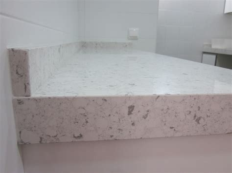 foto encimera en silestone bianco rivers de marmoleria sa