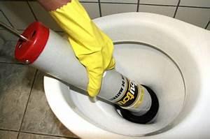 Déboucher Les Toilettes : placer le d boucheur pompe 5 techniques pour d boucher ~ Melissatoandfro.com Idées de Décoration