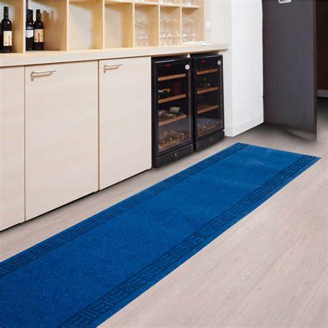 tapis pour cuisine lavable tapis pour cuisine amortissant r 233 sistant sur mesure bleu tapistar fr