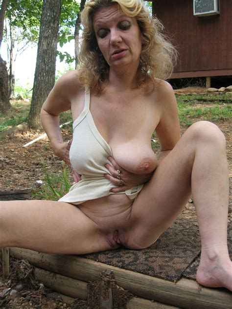 outdoor mature flashing