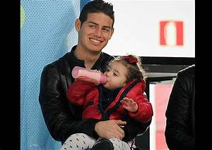 Difunden tierna foto de James Rodríguez junto a su hija ...