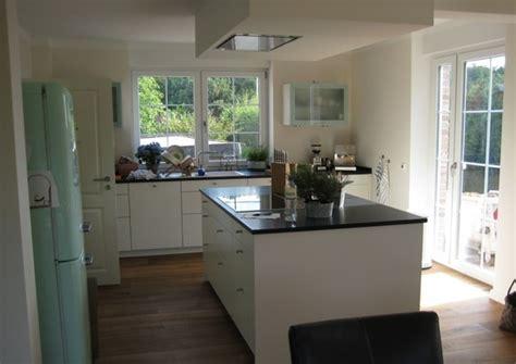 cuisine frigo cuisine avec frigo smeg photo 1 1 j 39 attend vos avis