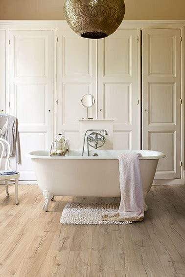 stratifie salle de bain parquet pour salle de bain les 5 conseils d 233 co cool