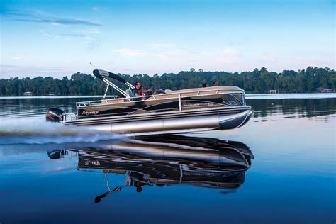 Regency Pontoon Boats by Regency 254 Dl3 Fast Comfortable And Affordable Boats