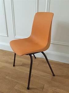 Petite Chaise En Plastique : chaise grosfillex enfant ann es 70 vaillant le petit meuble ~ Teatrodelosmanantiales.com Idées de Décoration