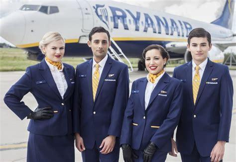 cabin crew vacancies uk oferta de empleo tcp recruitment days de ryanair en julio