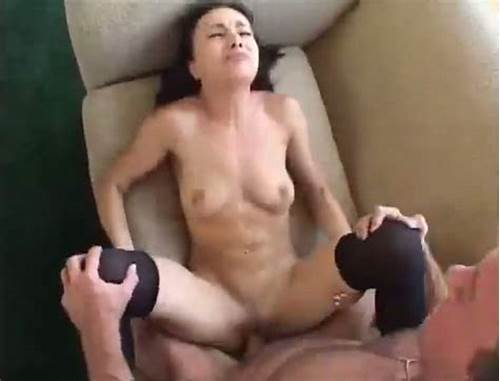 How To Throw A Pounded College Four #Brunette #Beauty #Squirts #Like #A #Geyser #While #Getting #Fucked