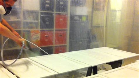 Hvlp Or Airless Sprayer For Cabinets by Spraying Kitchen Cabinets White With Airless Sprayer In