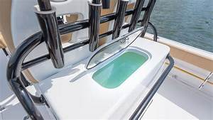 Sportsman Open 282te Center Console - Leaning Post Livewell
