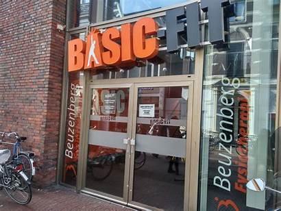 Basic Basicfit Groningen Gym Komt Opvallende Douche