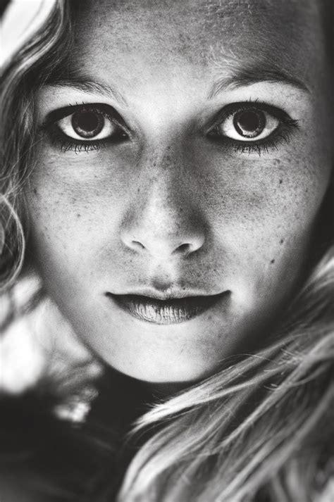 Anti Mainstream Photography Girls In Nature Black