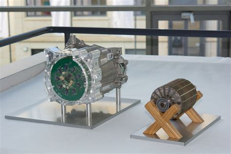 Most Efficient Electric Vehicle by Highly Integrated Electric Motor Unifies Powertrain