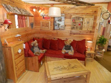 table et chaises de terrasse meuble chalet montagne