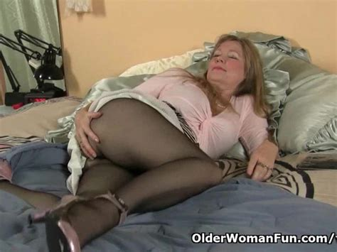 Pantyhose Get Moms Pussy Hot And Throbbing Free Porn