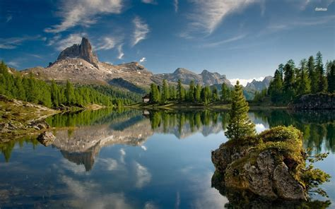 Beautiful Mountain Lake Wallpaper Wallpapersafari
