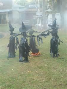 31 creepy and cool halloween yard d 233 cor ideas digsdigs