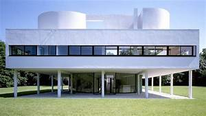 Iconic House: Villa Savoye by Le Corbusier Architectural
