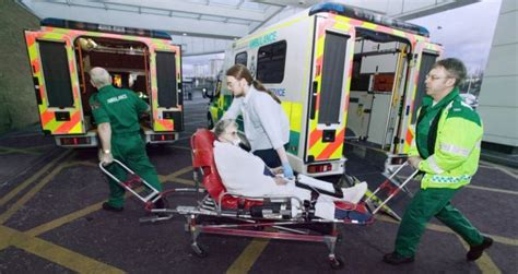 New NHS 111 phone line under fire again after paramedics ...