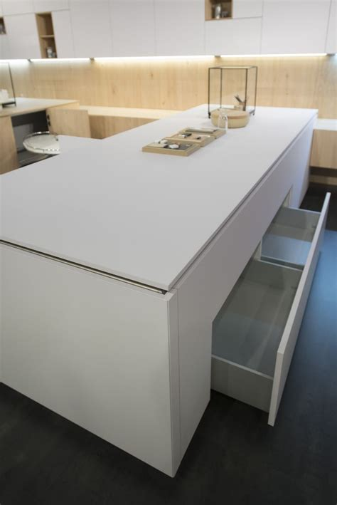 cuisine leicht white surfaces never been easier to clean with fenix
