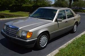 Classic 1993 Mercedes 300e 1 Owner Carfax No Rust Rare Find Make Offer Car Is Amazing   For Sale