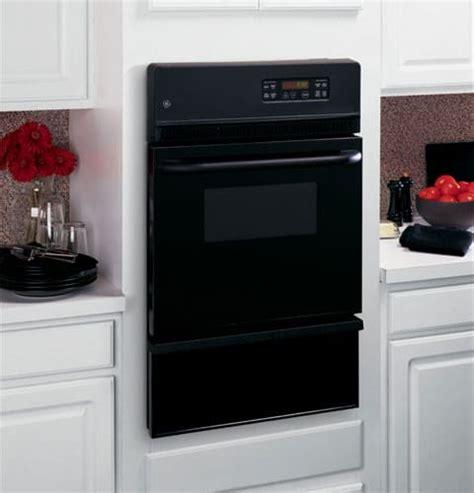 ge jgrpbejbb   single gas wall oven   cu ft interior oven light smartset