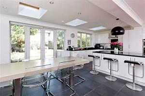 Amenager une cuisine ouverte sur salle a manger for Idee deco cuisine avec ensemble salle a manger bois
