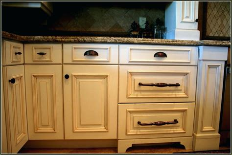 Drawer Pulls What Color Hardware For White Kitchen