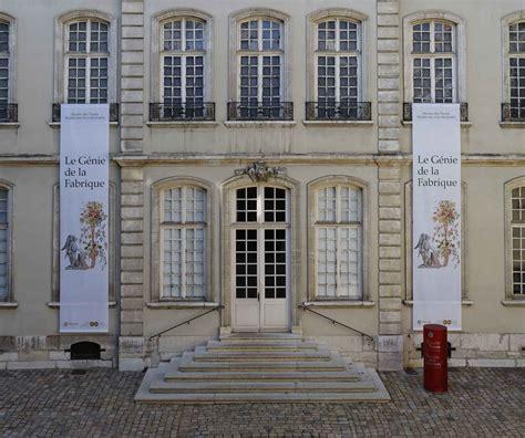 chambre de commerce et industrie lyon le musée des tissus et des arts décoratifs menacé de