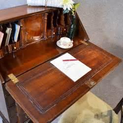 bureau qualit writing desk bureau quality serpentine front burr