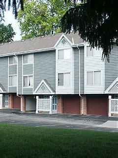 village square townhomes apartments menomonee falls wi