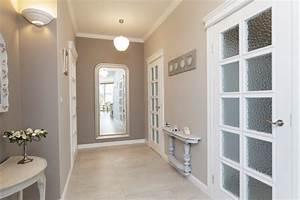 kleinen flur einrichten 7 tipps fur mehr stauraum With couleur pour couloir sombre 2 modern pop art style apartment
