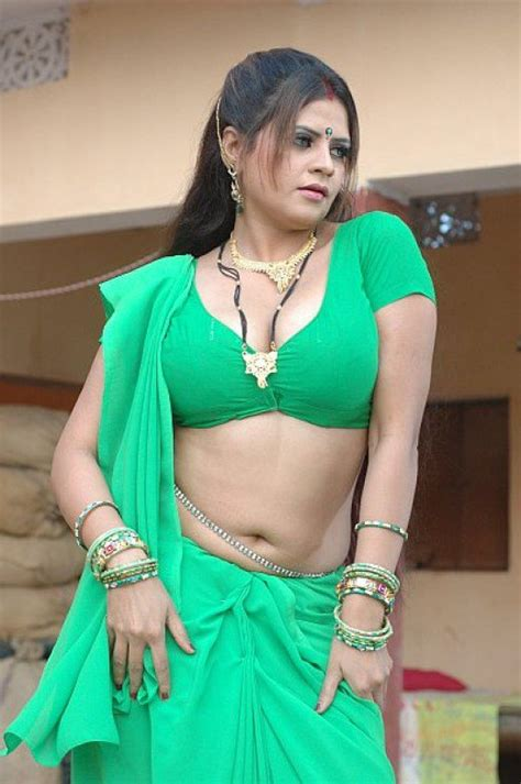 So Hot Indian Desi Aunties Photos Beauty Tips And Style Tips