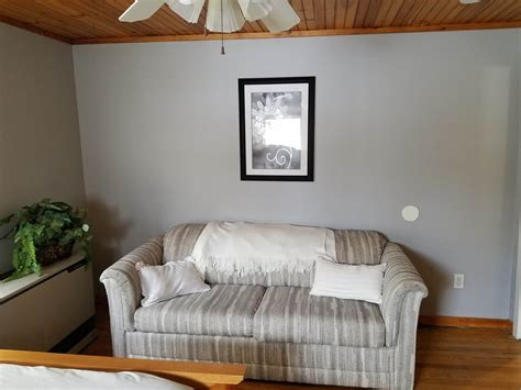 lease  prospect ave  sailboat suite onset ma