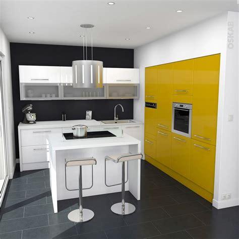 cuisine blanche et jaune cuisine ouverte pop blanche et jaune brillante meubles